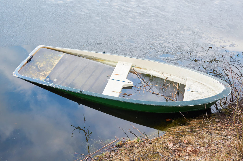 Indiana Junk Boat Buyers 317-244-0700